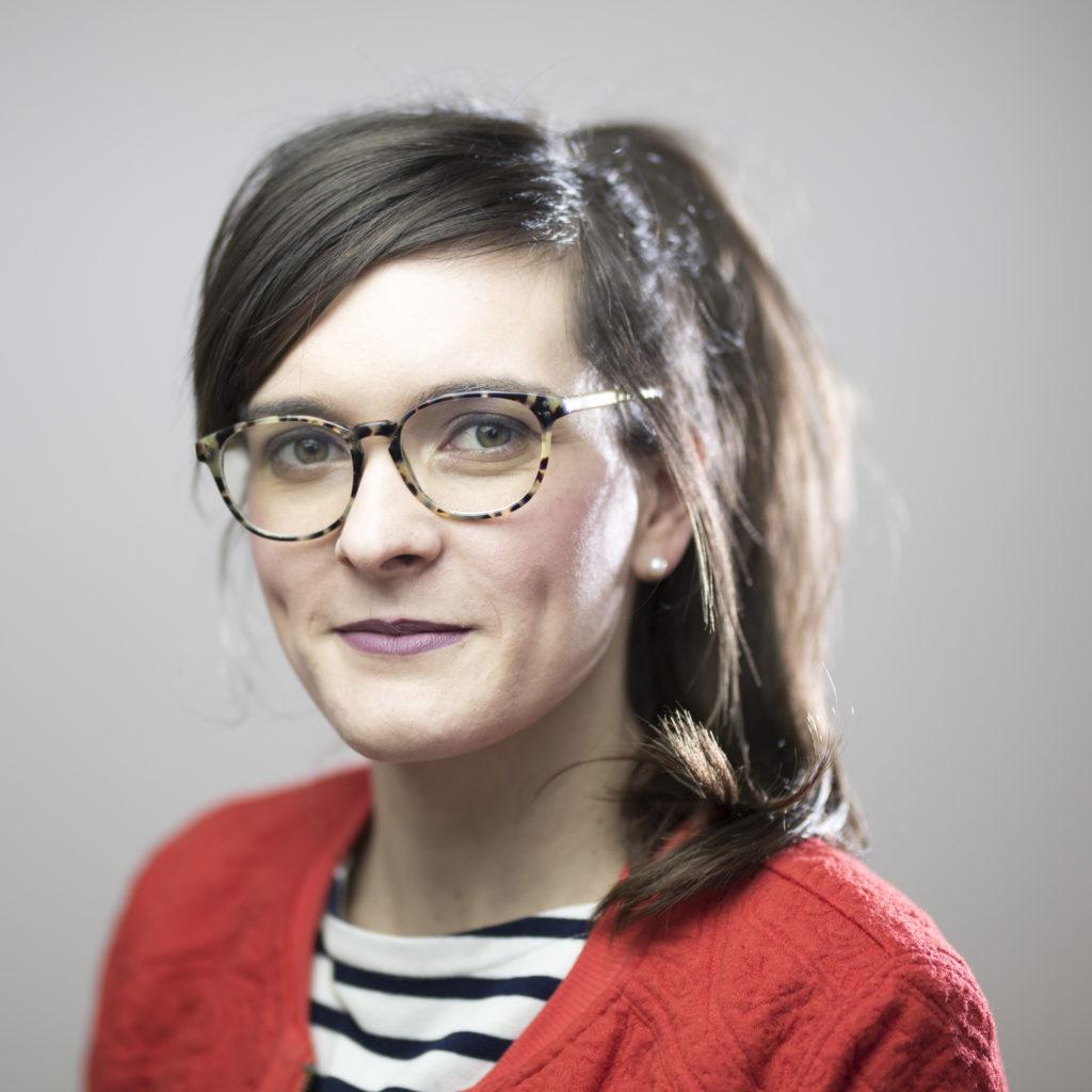 Elise Caron Osteopathin für Erwachsene Kinder Schwangere oder Babys